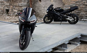 Honda CBR - Yamaha R6 II
