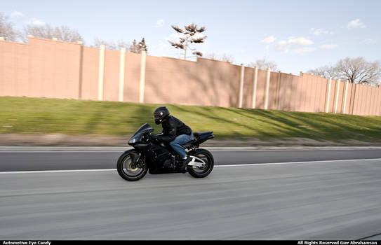 Honda CBR - Yamaha R6 XX