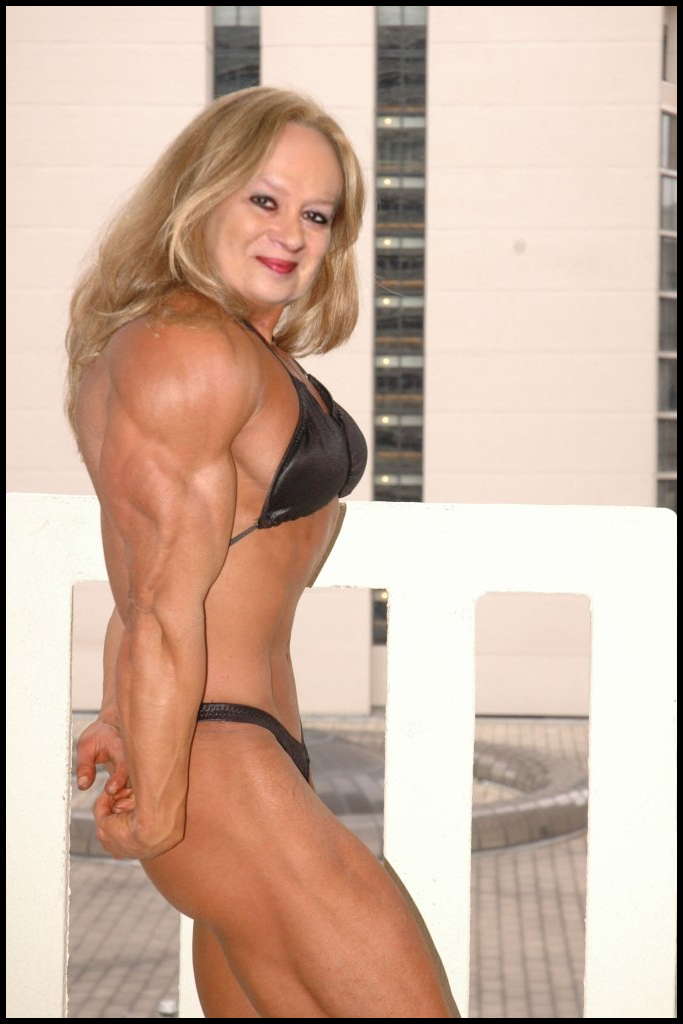 Milf Muscle Mature 71
