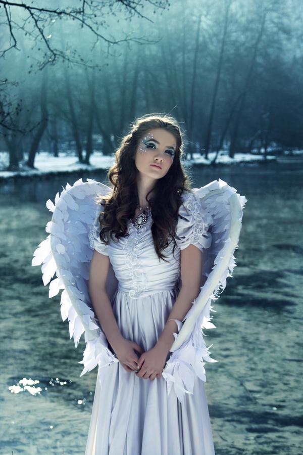 Angelic winter by DarkVenusPersephonae