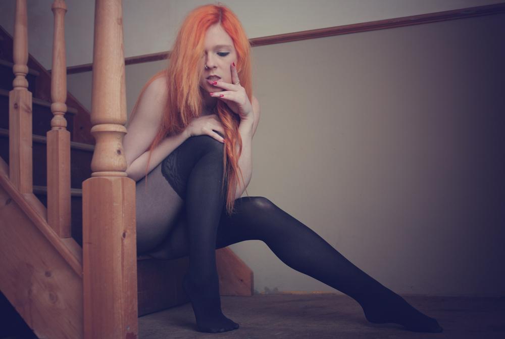 """Résultat de recherche d'images pour """"red hair girl pantyhose"""""""""""