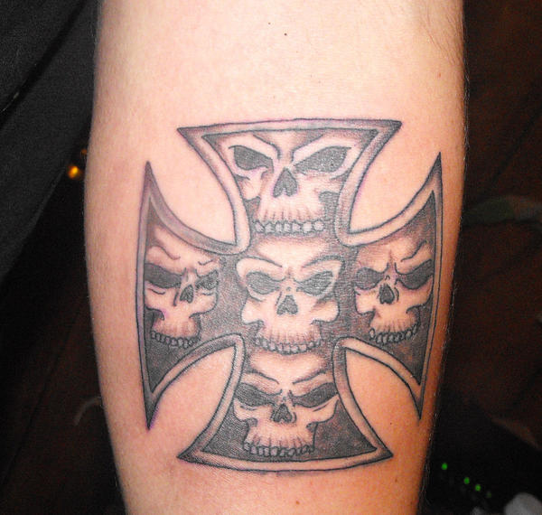 Iron cross with skull tattoo clipart library skull filled iron cross tattoo by mokavu on deviantart rh mokavu deviantart com cfh skull german iron cross tattoo publicscrutiny Image collections