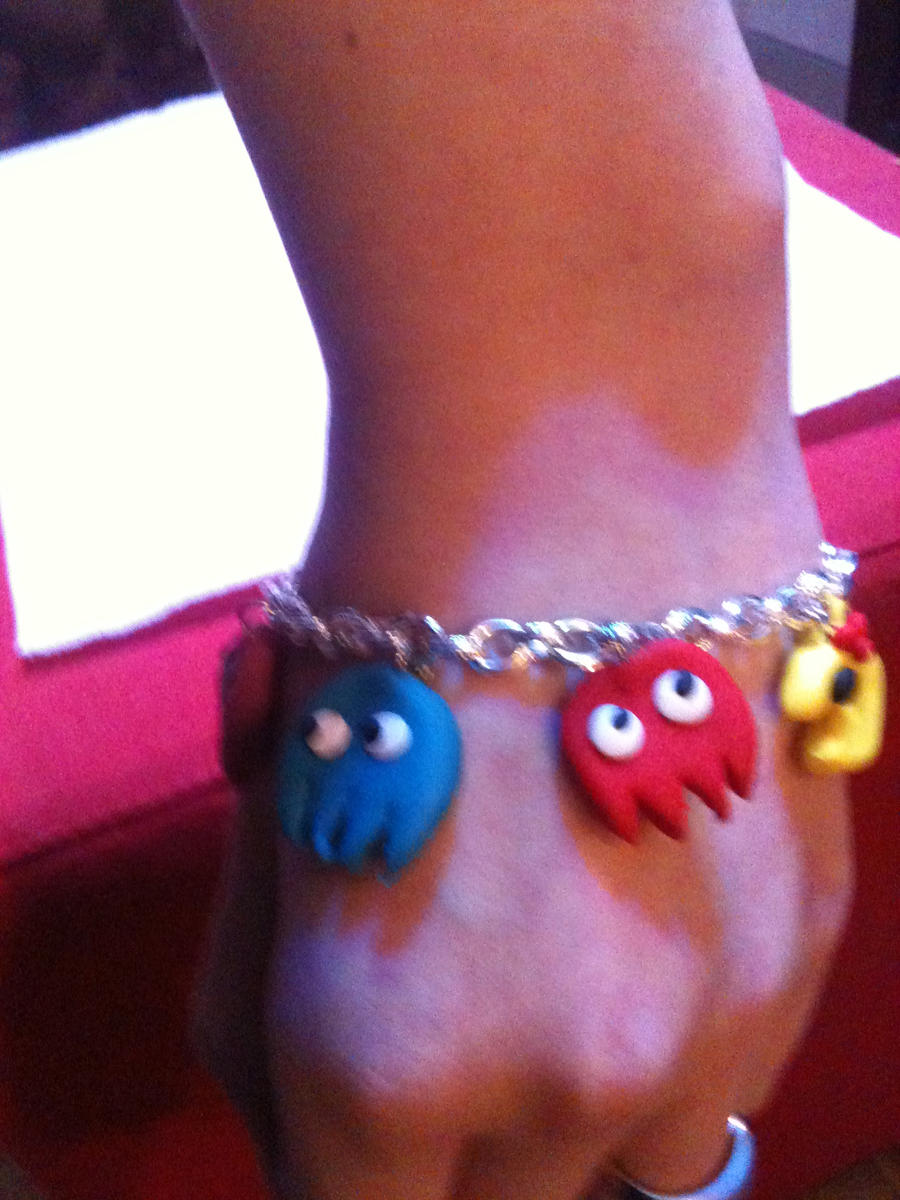 Pacman bracelet by shelle-chii