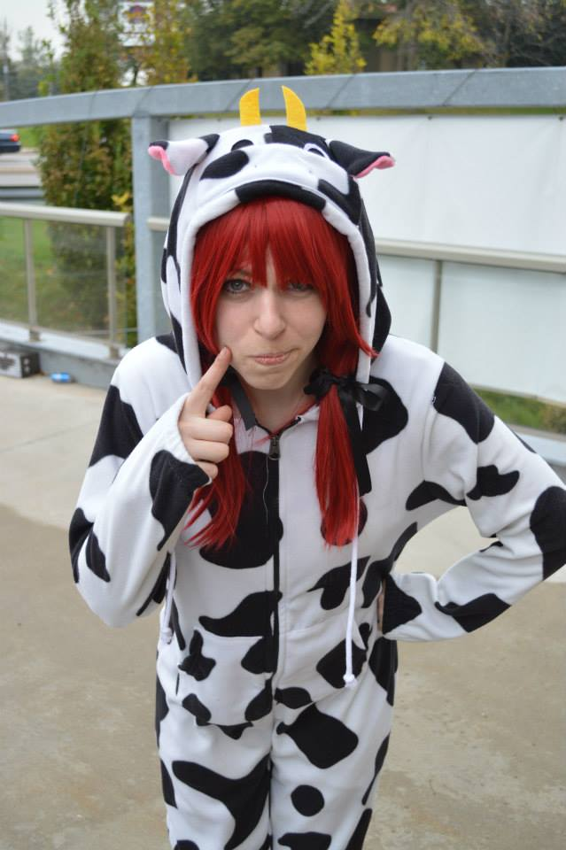 Cow Kigu- thinking by shelle-chii