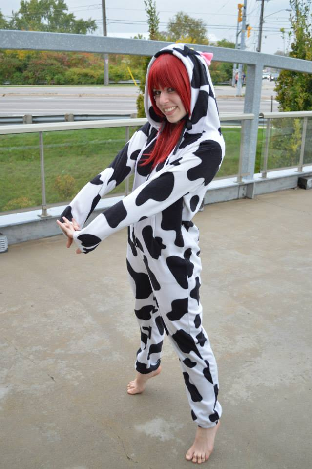 Cow Kigu- stretching by shelle-chii