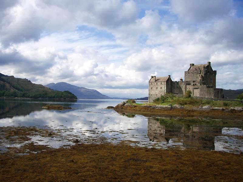 Scotland - Eilean Donan Castle by MetalCath