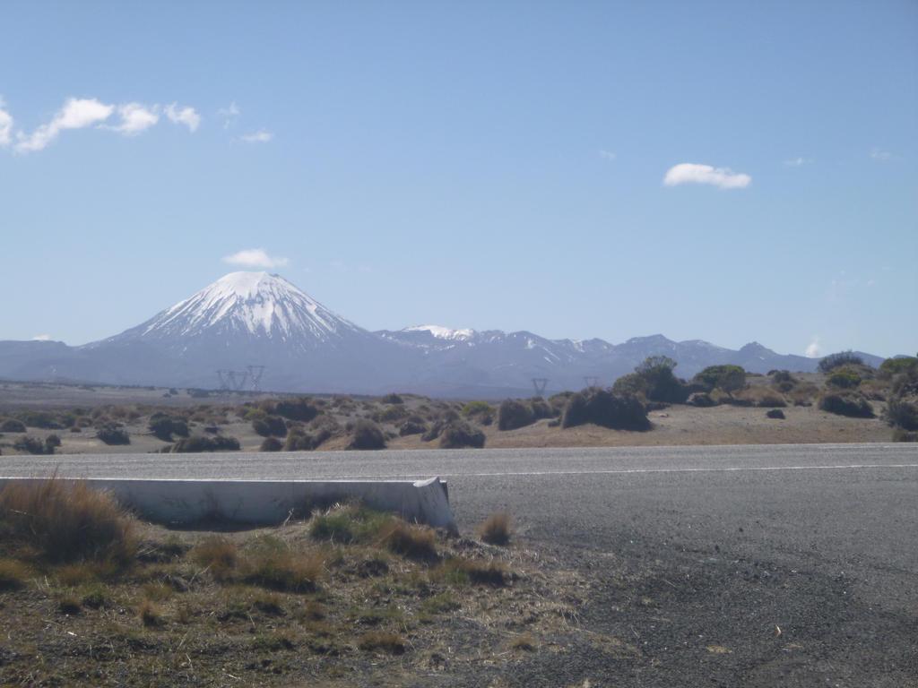 Mt Ruapehu, New Zealand by u-yes-u-i-love-u