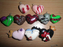 Halloween heart charms-SALE by ilikeshiniesfakery