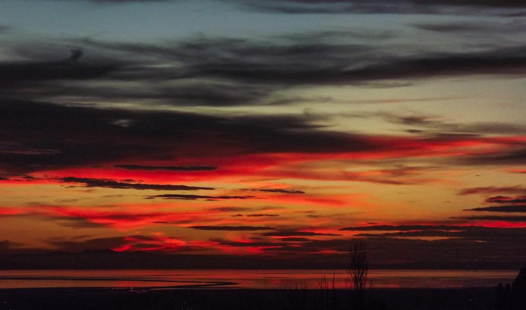 Fire in the sky by esjay1986