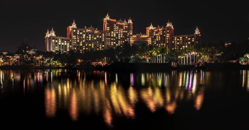 Atlantis, Royal Towers at night by esjay1986