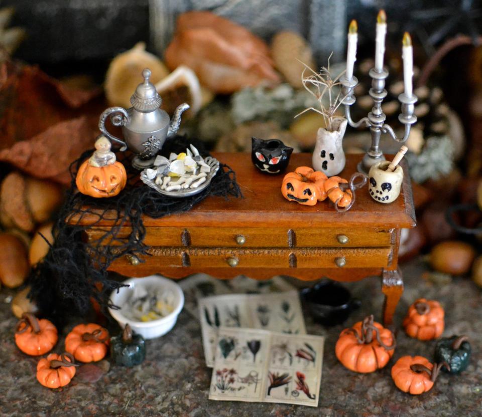 Halloween Minis by LaFoi