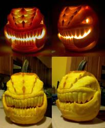 Zergling Pumpkin by Icedender