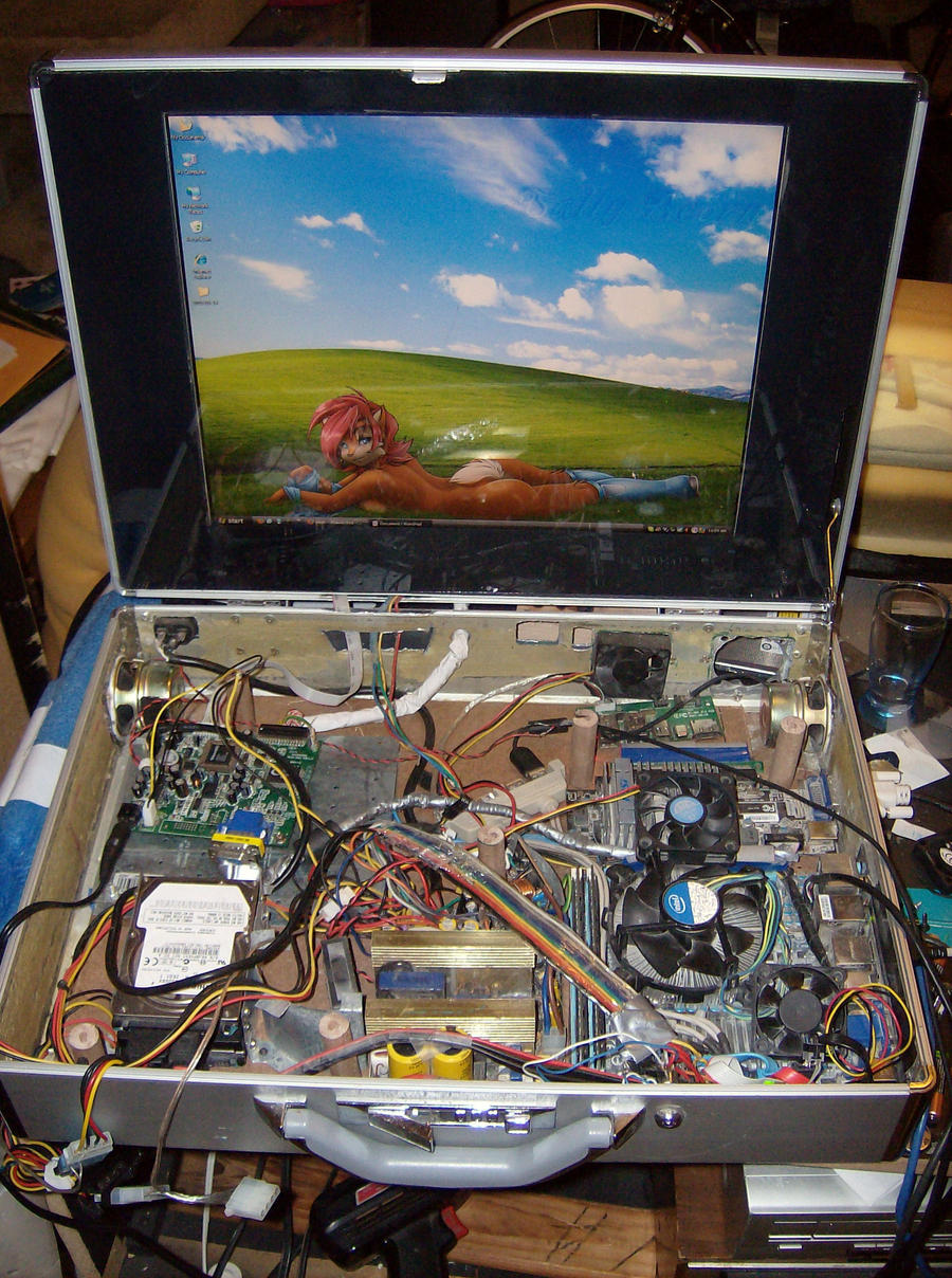 Briefcase Computer WIP by Gradendine