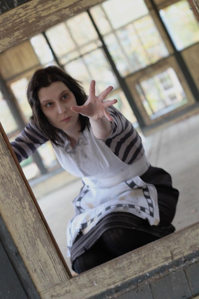 Alice - Help me! by BlackTigger