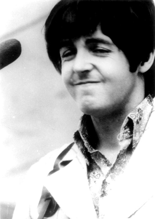 Paul McCartney By LEVOJ