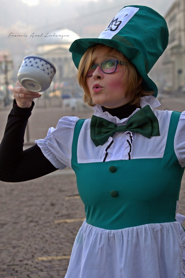 Mad Hatter Girl Cosplay by DauthdaertBecky
