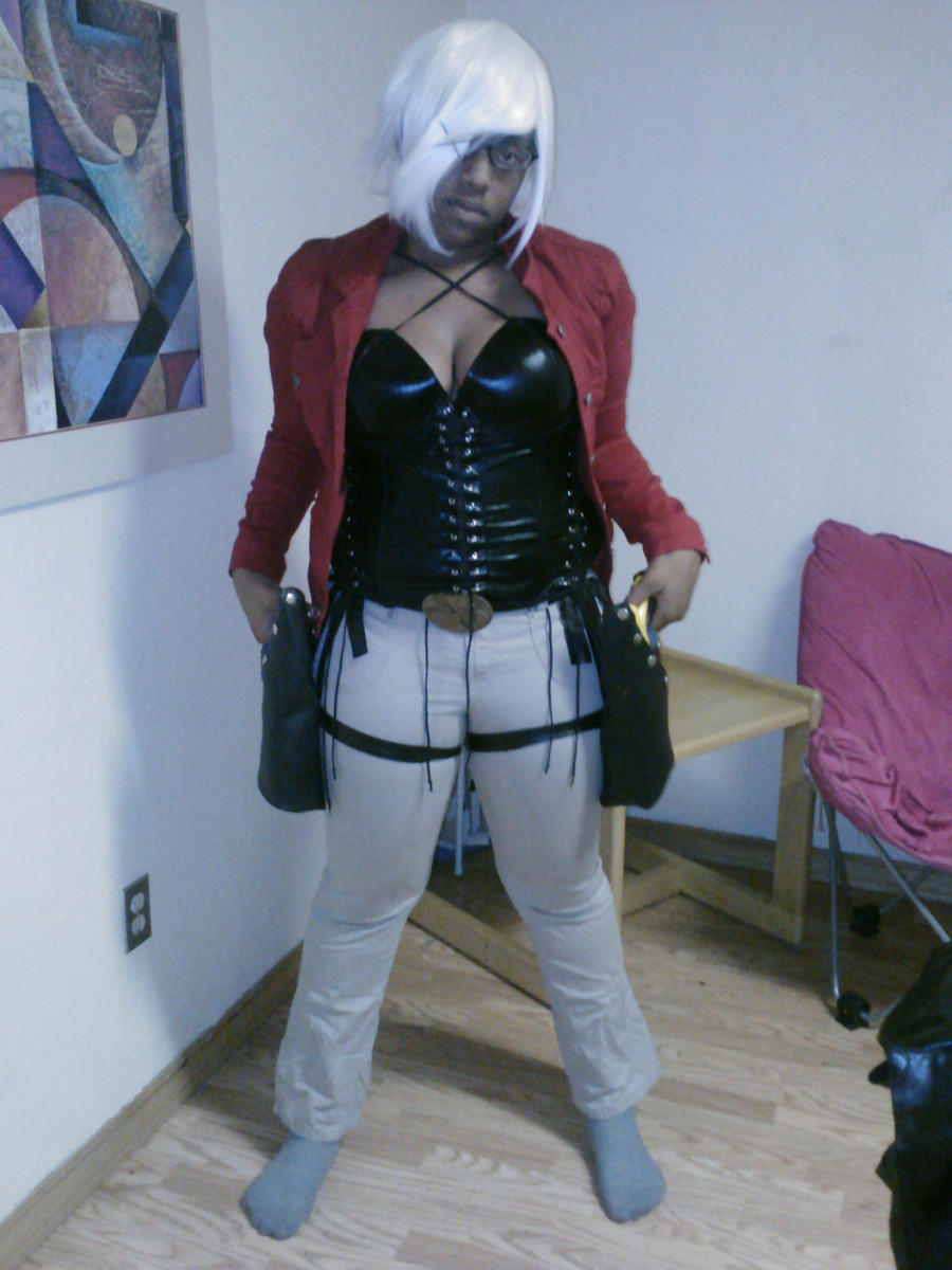 Female Dante Cosplay