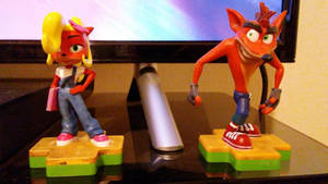 Crash and Coco Figures by SSL13