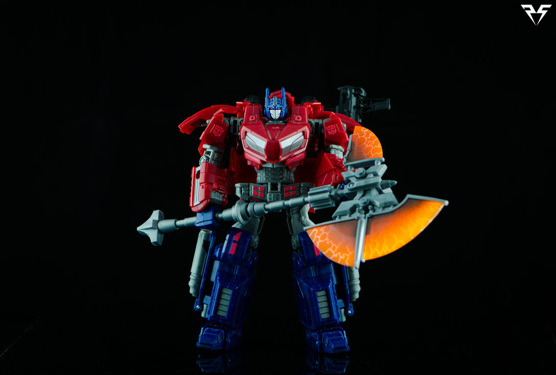 WFC - Optimus Prime (W/Corbot V Axe) by PlasticSparkPhotos