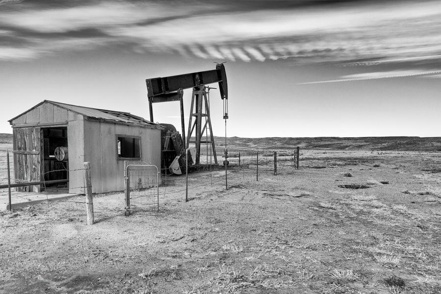 Oil Rig by jbkalla