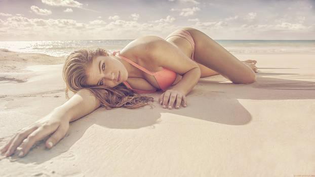 Beach Babe 08