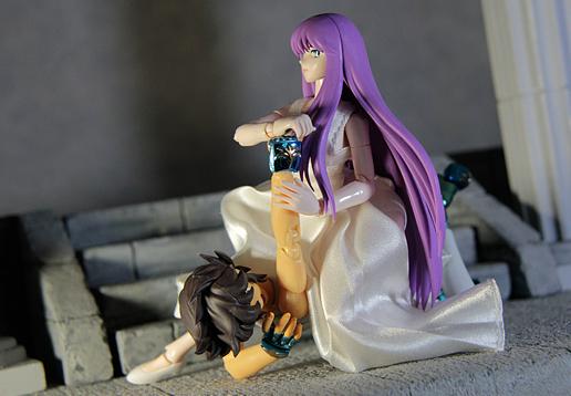 [Imagens] Saint Seiya Cloth Myth - Seiya Kamui 10th Anniversary Edition Seiya_vs_saori_2_by_aioros87-d6ovw9y