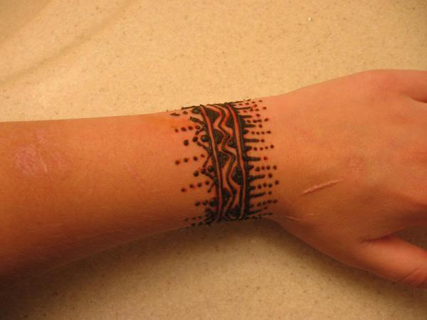 Mehndi Tattoo On Wrist : Henna on my wrist front by nomandy deviantart