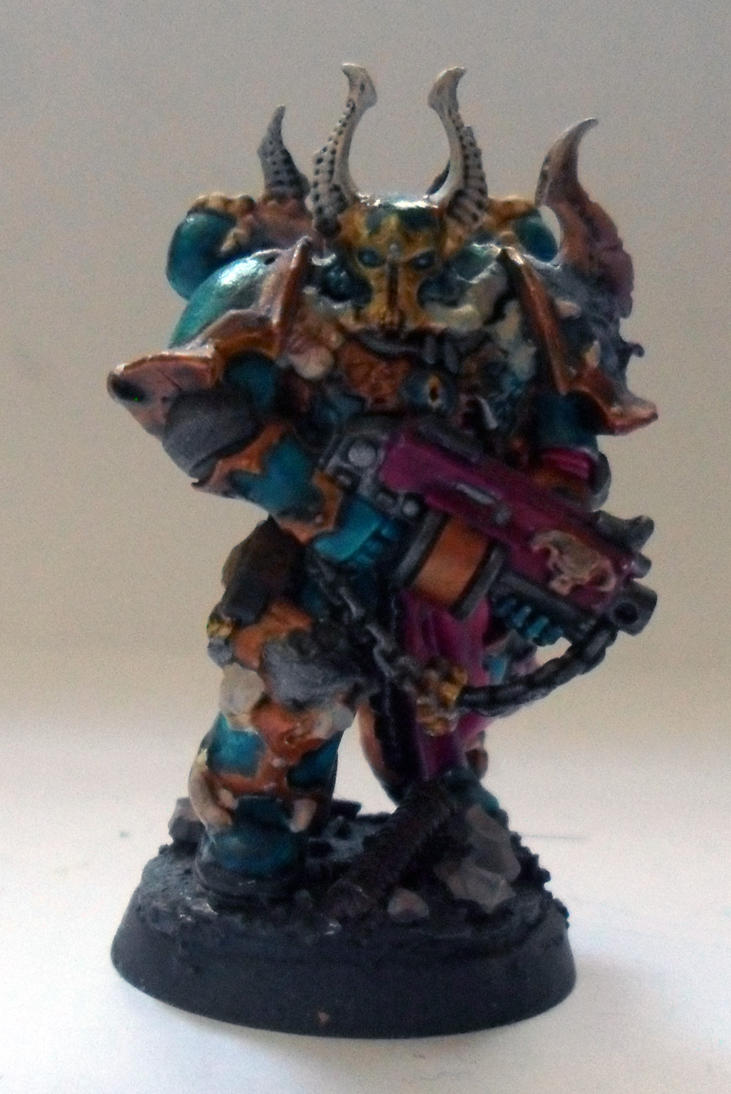 [Divers] Autres figurines : SMC, Eldars, Tyranides et non-GW Chaos_space_marine_chosen__normal_guy__by_magegahell-d5wtbkv