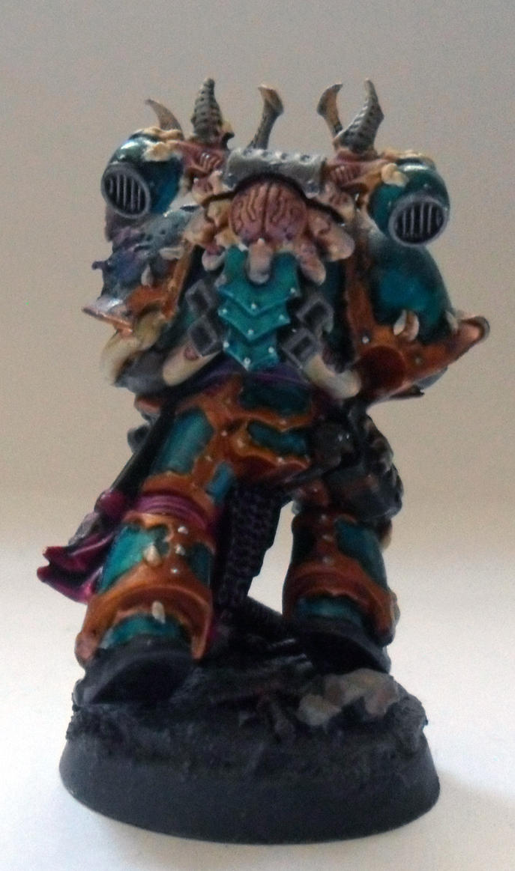 [Divers] Autres figurines : SMC, Eldars, Tyranides et non-GW Chaos_space_marine_chosen__normal_guy__back__by_magegahell-d5wtbta