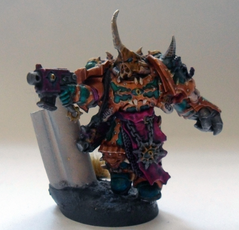 [Divers] Autres figurines : SMC, Eldars, Tyranides et non-GW Chaos_space_marine_chosen_with_power_fist_by_magegahell-d5wtbxv