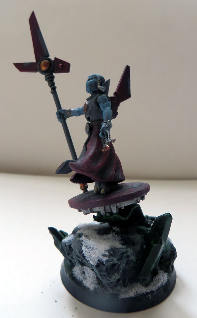 [Divers] Autres figurines : SMC, Eldars, Tyranides et non-GW Tau_ethereal_on_hover_drone_by_magegahell-d9u3bfx