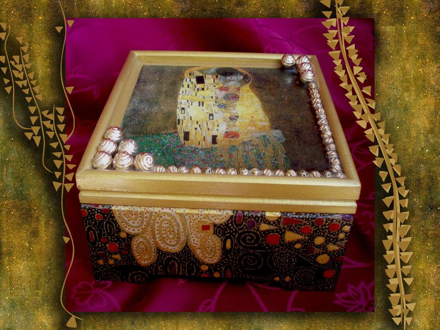Klimt Box by Canankk
