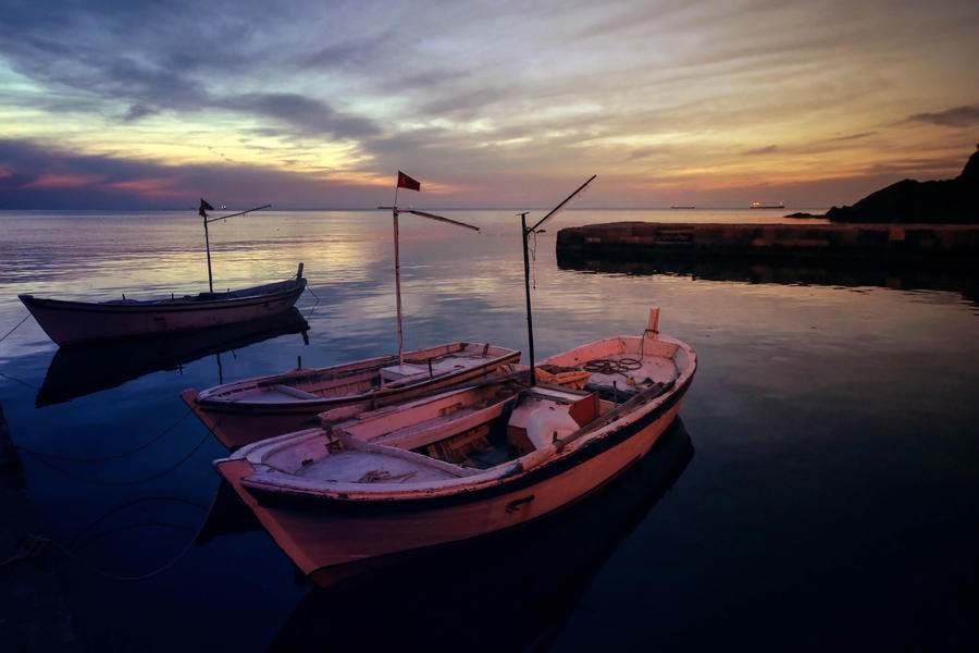 Pink Boats of Blacksea by Canankk