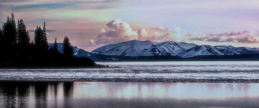 On the Lake by GelleyBelle