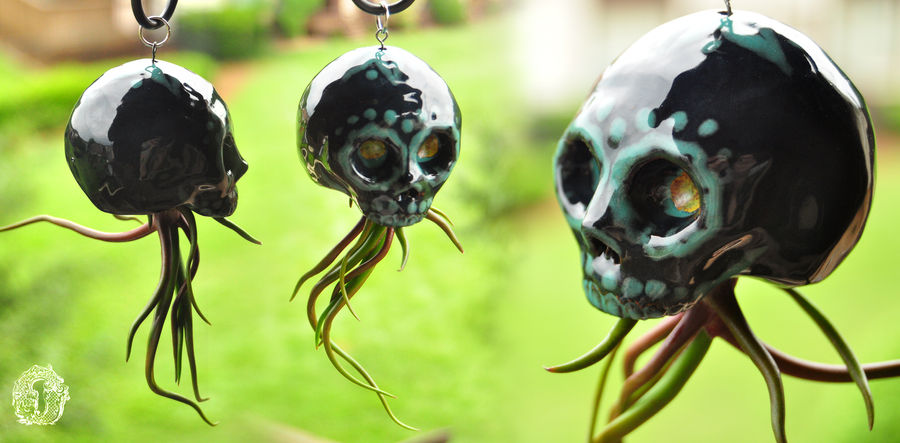 Ceramic sugar skull air plant hanger