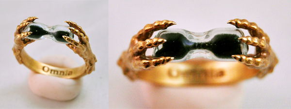 Moira ring in brass
