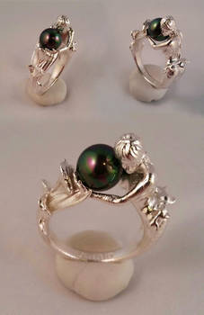 Sterling Arianna mermaid ring with pearl