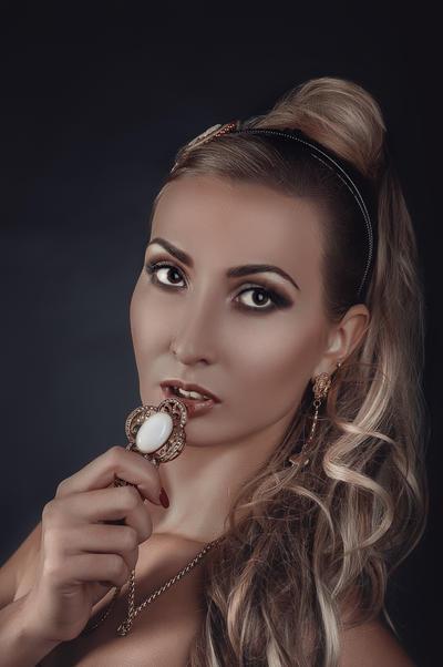 just a girl by kozyafffka
