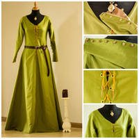 Kirtle, common medieval dress