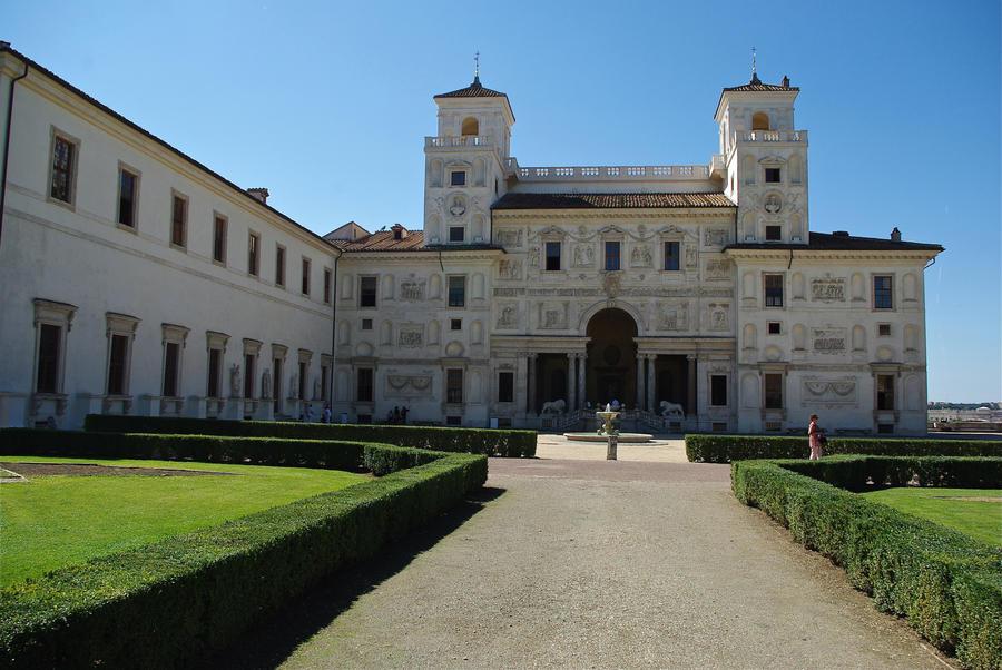 Medici Palace. Rome. Italy by jennystokes