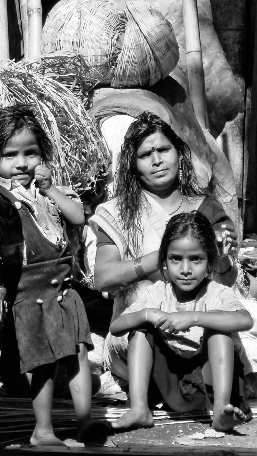 Gypsy Family. India by jennystokes