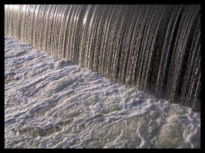 water_001 by spacingham