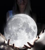 moonlight. by shinymavis