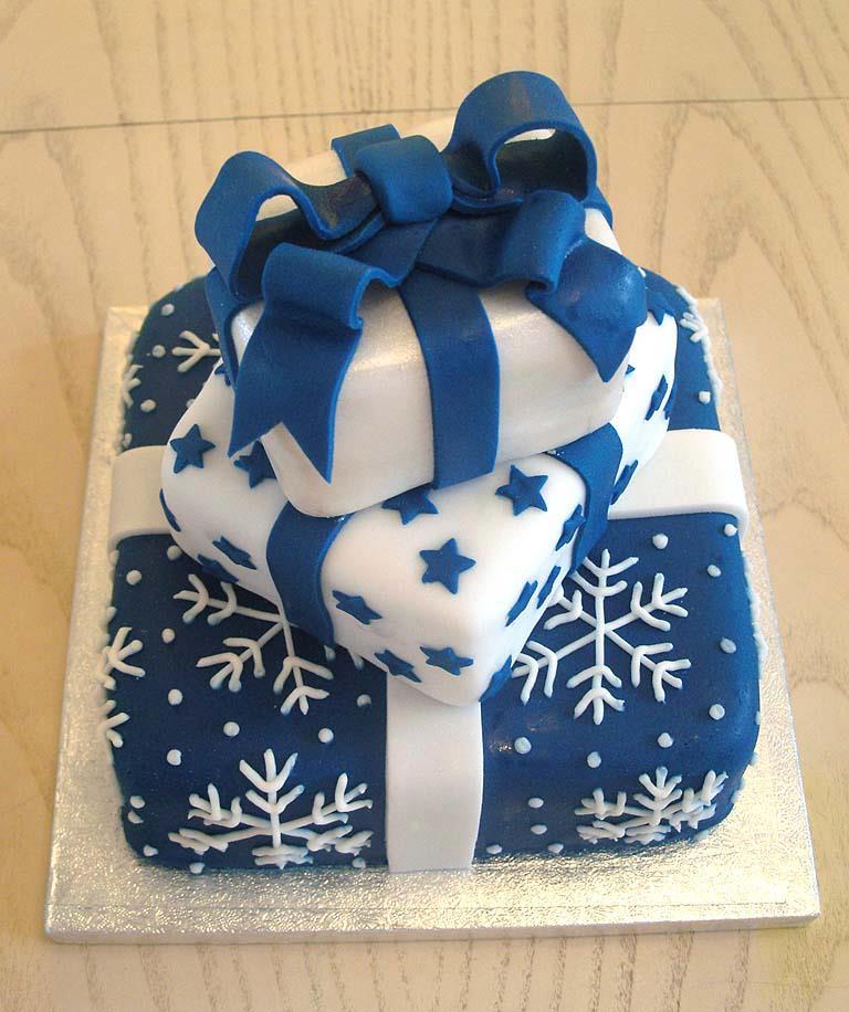 cake that looks like a christmas present