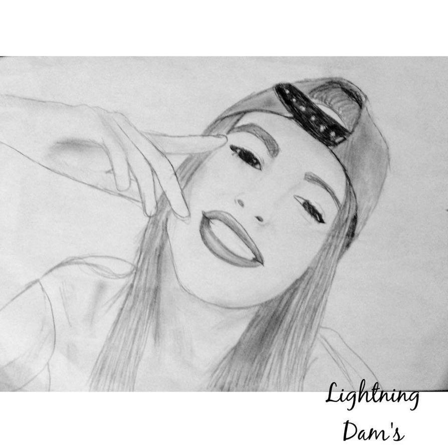 Selfie  by lligthning