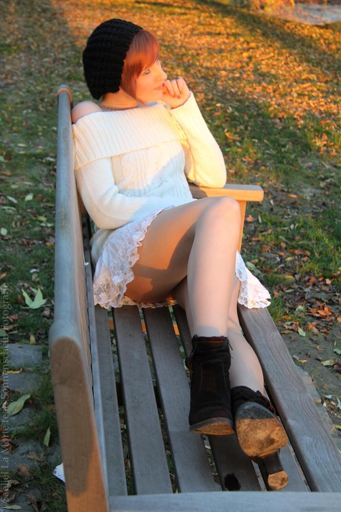 Enjoying the last Sunbeams by Saeliel-LaMorte