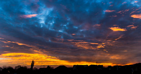 Sky on fire by Reiep