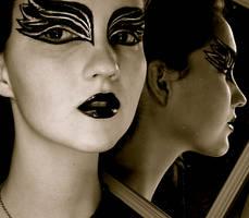 Black Swan Mirror by KlairedeLys