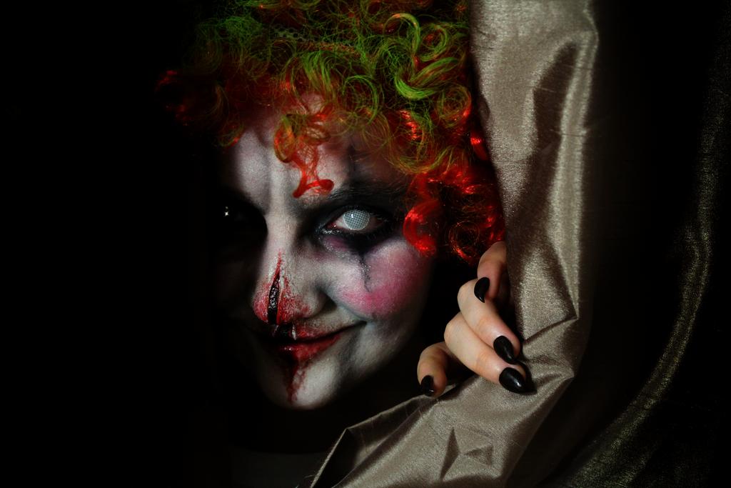 Evil Clown by KlairedeLys on DeviantArt