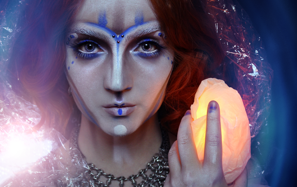 Alien Priestess by KlairedeLys